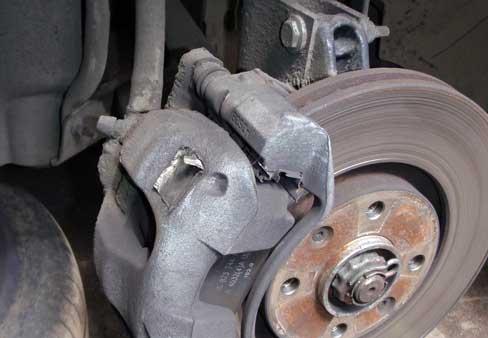 Шевроле орландо замена передних тормозных колодок