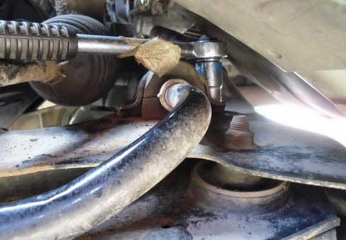 Замена двух втулок стабилизатора на Opel Corsa
